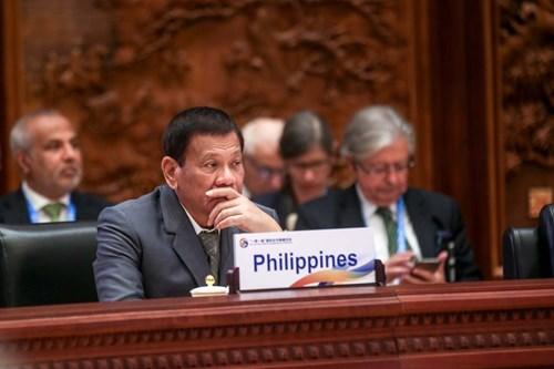 tong thong philippines rodrigo duterte tai dien dan quoc te mot vanh dai, mot con duong o bac kinh, anh: rappler.