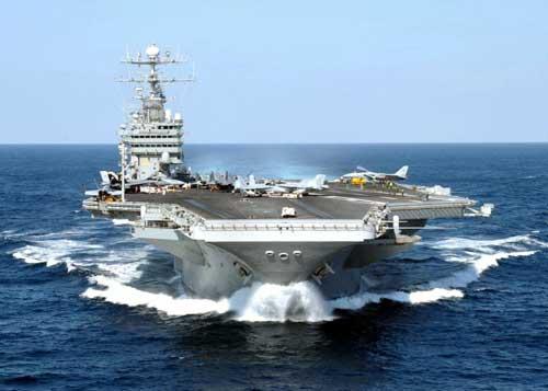 Khám phá tàu sân bay Mỹ vừa qua Việt Nam