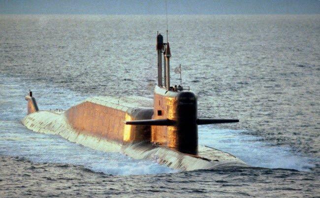 tàu ngầm, chiến cơ, xe tăng