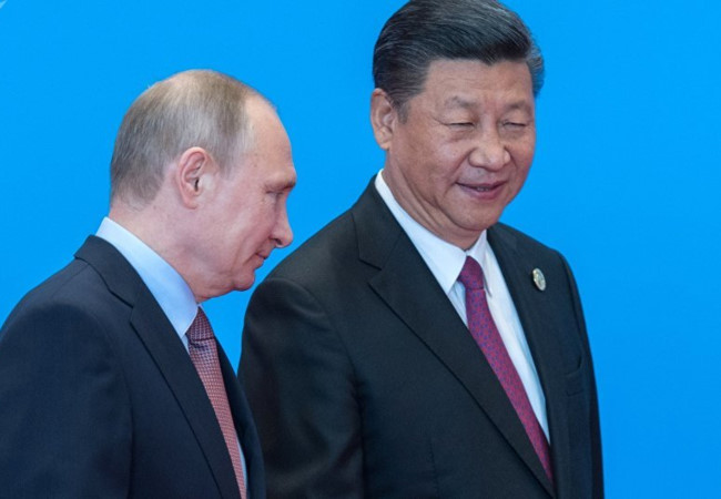 Donald Trump đang 'đẩy' Trung Quốc vào vòng tay Nga