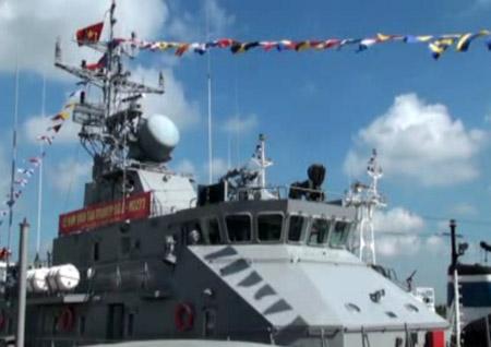 Hải quân nhận pháo hạm tuần tiễu trên biển