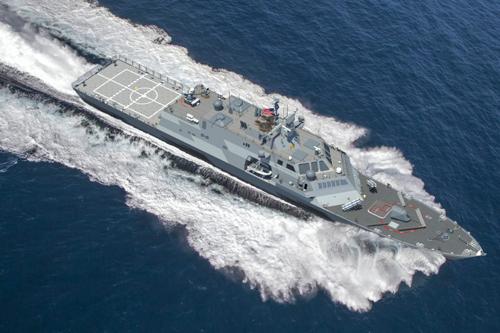 Cuộc đua nhồi hỏa lực hạng nặng lên tàu chiến đấu ven biển Mỹ
