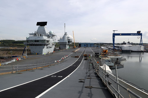 tau san bay  hms queen elizabeth co chieu dai 280 m, rong 70 maircraftcarrieralliance.co.uk