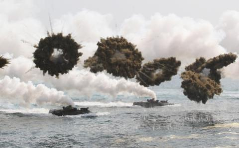 Tàu sân bay Mỹ tới Hàn tập trận: Trung Quốc thấy run?