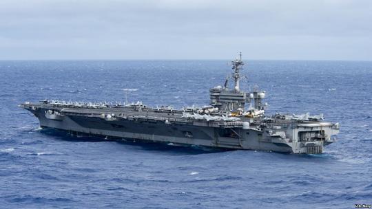 Tàu chiến Mỹ sắp áp sát đảo nhân tạo của Trung Quốc?