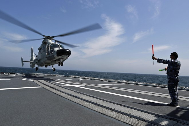 Hải quân Trung Quốc đang đóng khu trục hạm chở trực thăng