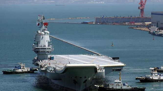 Tàu sân bay Trung Quốc vừa chế xong đã lỗi thời, thành 'mồi ngon' cho tên lửa, tàu ngầm