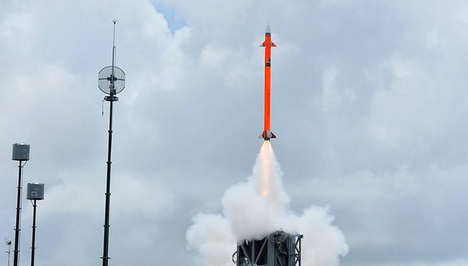Ấn Độ mua thêm tên lửa cho tàu sân bay nội địa