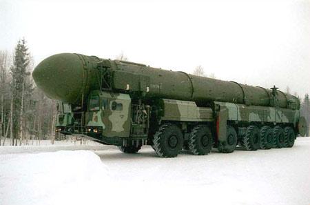 opol-M: ICBM cơ động nhất. Quốc gia sản xuất: Nga, phóng lần đầu năm 1994. Trọng lượng phóng 46,5 tấn. Được cho là nền tảng lực lượng hạt nhân Nga.