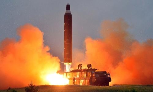 Tin tức tình hình Biển Đông 16-05-2017: Triều Tiên phóng tên lửa bay 30 phút cao 2000km xa 700km - cả thế giới chấn động