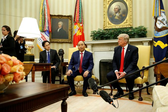 Cuộc hội đàm đầu tiên giữa Thủ tướng Nguyễn Xuân Phúc và Tổng thống Donald Trump