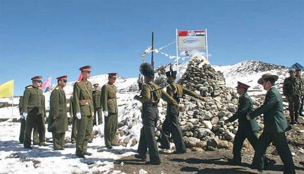 Tin tức tình hình Biển Đông sáng 17-08-2017: Binh sĩ Ấn Độ và Trung Quốc vác gậy đập nhau