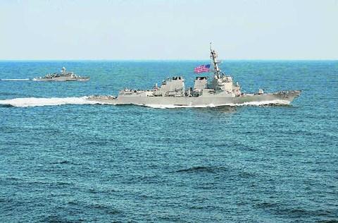 Mỹ điều thêm tàu chiến, tăng cường tuần tra đối phó với Trung Quốc ở Biển Đông?
