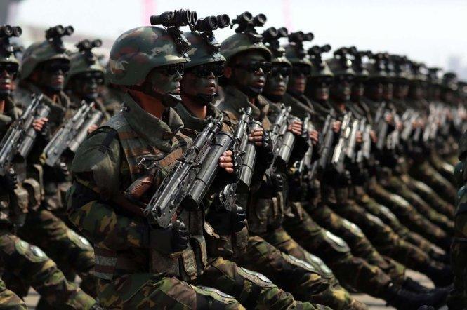 Trung Quốc đặt máy bay ném bom trong tình trạng báo động cao