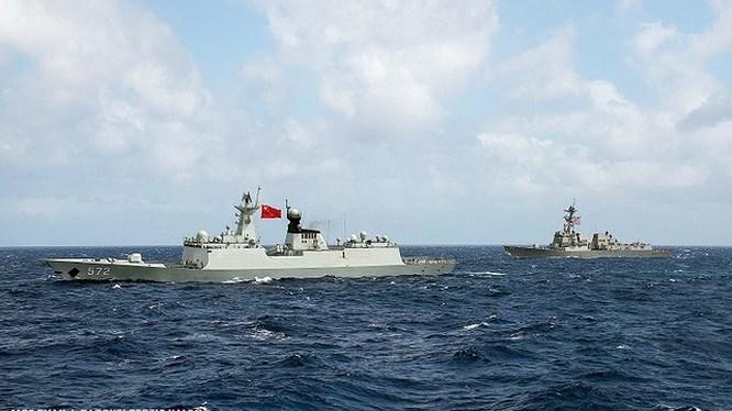 Mỹ cảnh báo sẵn sàng 'thổi bay' đảo nhân tạo Trung Quốc ở Biển Đông