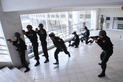 Việt Nam xuất khẩu khí tài an ninh: Kỳ vọng rất lớn