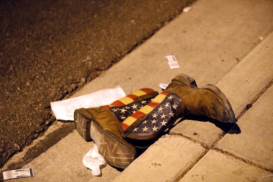Xả súng đẫm máu ở Las Vegas, 250 người thương vong - Ảnh 5.