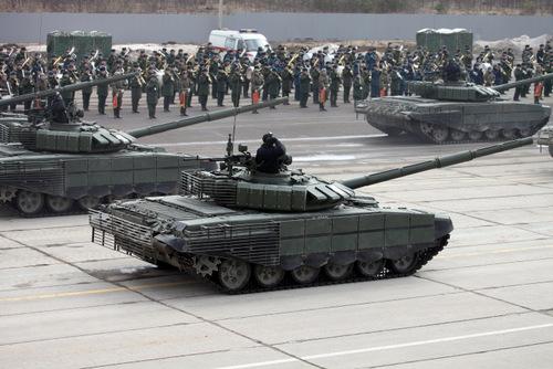 Nga ra mắt xe tăng T-72 mới trước duyệt binh Ngày Chiến thắng